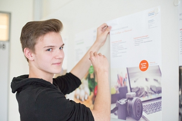 2017_09_AL5_ABI11GM_Schüler_Plakat © Bettina Kuhlmann